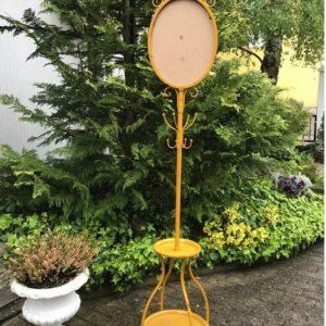 Garderobe, Spiegelgestell