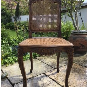 Antiker Stuhl, Holzstuhl (Landhausstil)