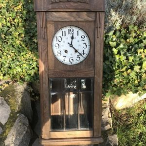 Antiker Uhrenkasten, Wanduhr
