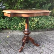 Antiker Beistelltisch, Holztisch mit Intarsien (Antiquität)