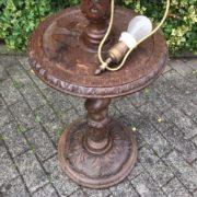 Antike Stehlampe, Lampenfuss