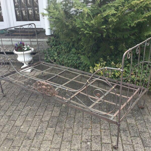 Französisches Eisenbett, Tagesbett (Antiquität, shabby, Landhausstil)