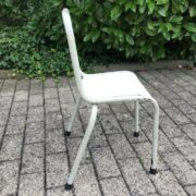 Alter Kinderstuhl (Bauhaus, Industrie-Design, Shabby)