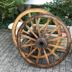 2 alte Wagenräder, Scheunenfund (Shabby, Landhausstil, Deko)
